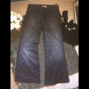7FAM super wide leg jeans sz 30W x 32L